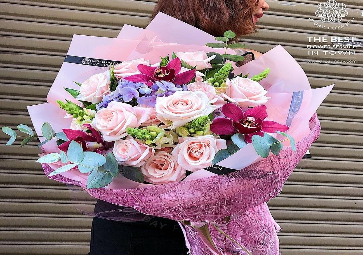 Hoa tặng, chọn sao cho ý nghĩa đong đầy - Hoa 7 Ngày